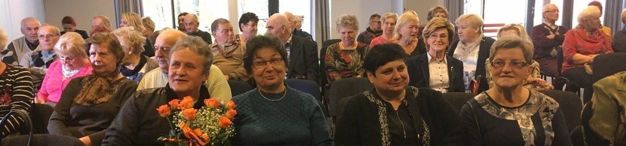 Seniorzy z naszej gminy na konferencji w Wałczu.